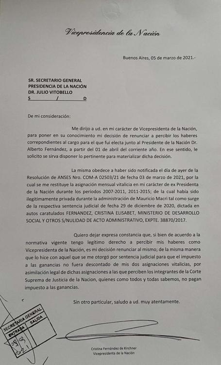 renuncia sueldo Cristina